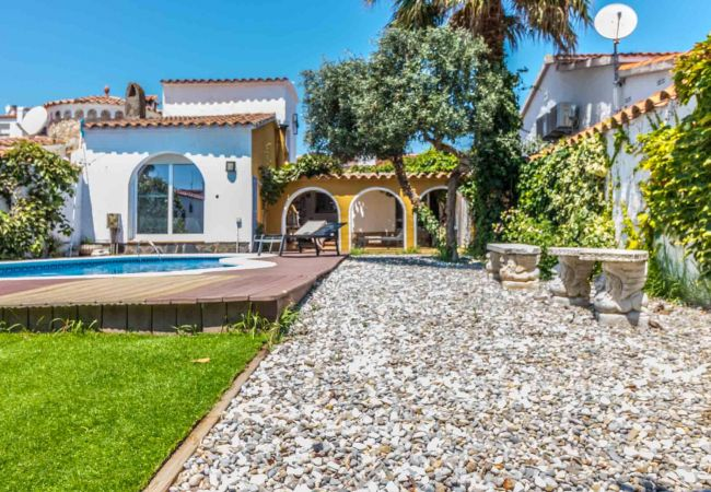 Casa en Empuriabrava - 148-Empuriabrava Casa con piscina y Amarre
