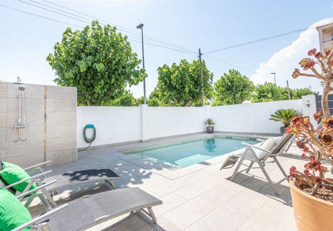 Casa en Empuriabrava -  137-Empuriabrava Casa con piscina-137