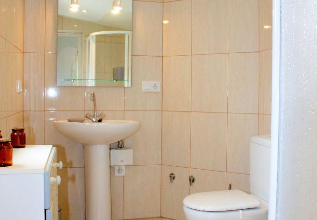 Casa en Empuriabrava - 142-Empuriabrava, casa  muy bonita y confortable, con jardin, wifi gratis-