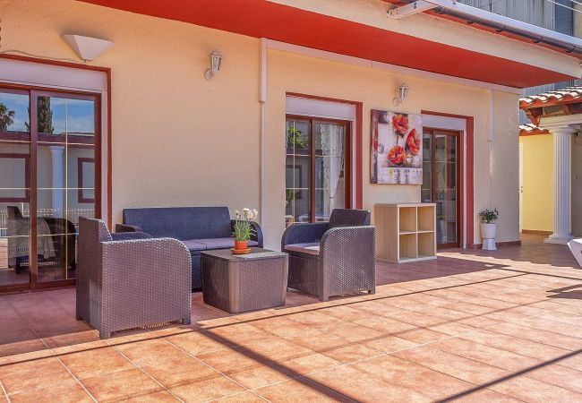 Maison à Empuriabrava - 160-Maison avec piscine à Empuriabrava près du centre et de la plage