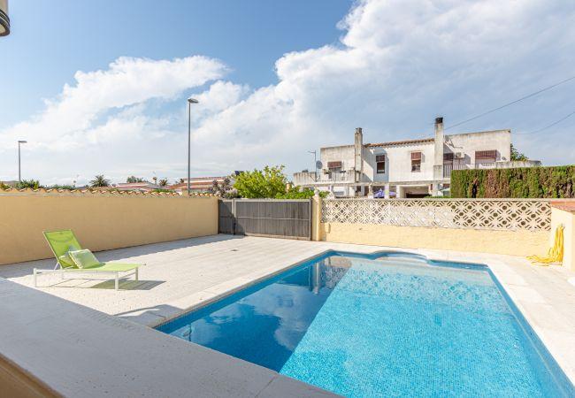 Maison à Empuriabrava - 144-Empuriabrava maison de vacances avec piscine