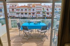 Apartment in Empuriabrava - 150-APARTMENT WITH VIEWS CHANNELS IN...