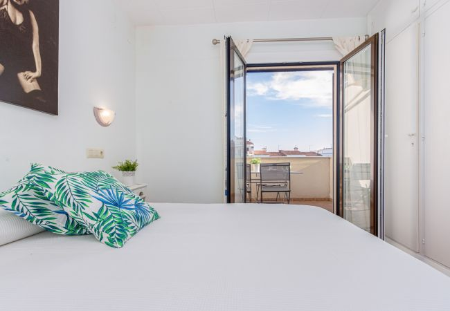 Apartment in Empuriabrava - 158-Empuriabrava, apartment with pool and parking